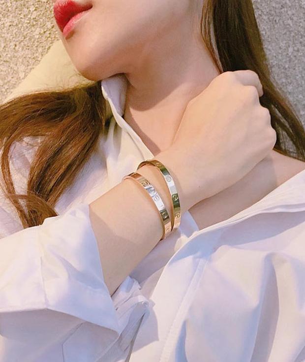 Chi Pu, Quỳnh Anh Shyn cùng chi đến gần 300 triệu đồng cho những chiếc vòng Love của Cartier - Ảnh 3.