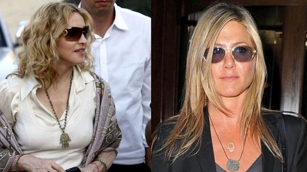 Nữ hoàng nhạc Pop Madonna (bên trái) và nữ diễn viên Jennifer Aniston (bên phải) đều yêu thích trang sức có biểu tượng Hamsa