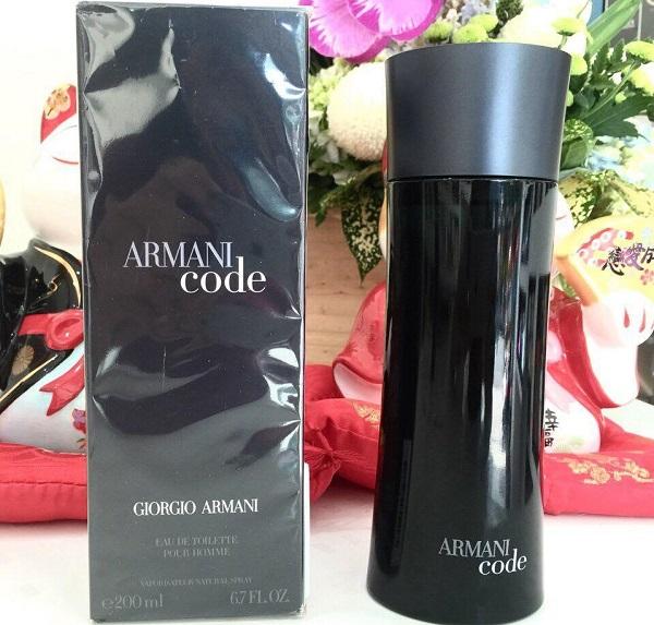 Nước hoa nam Armani Code sở hữu thiết kế đơn giản, sang trọng